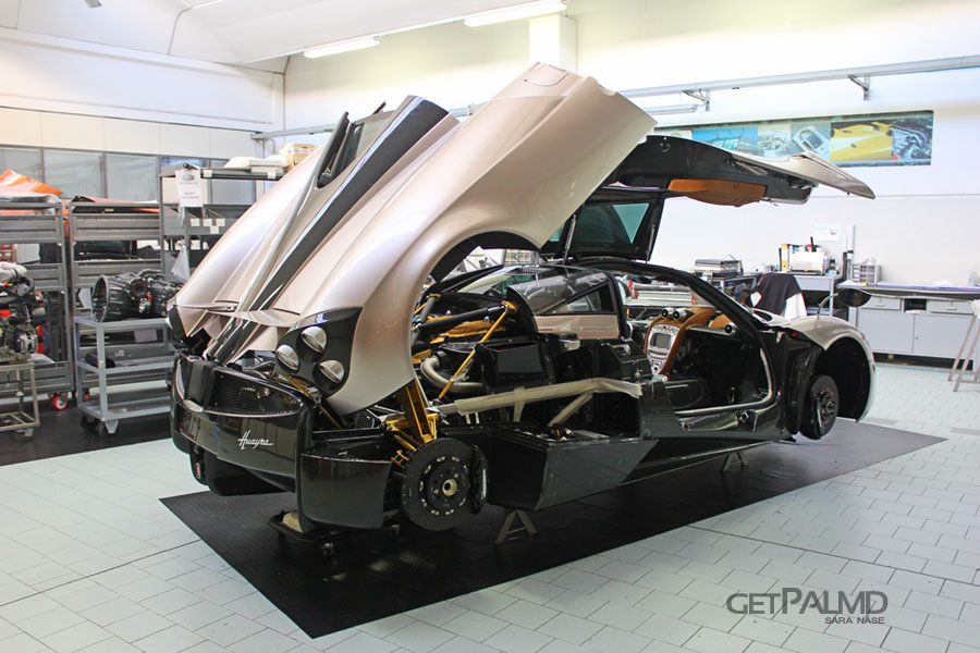 Pagani Automobili Factory Tour - Pagani Huayra being built