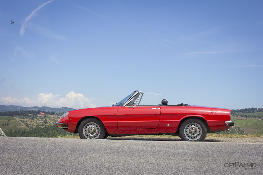 Sprintage Classic Car Touring Tuscany - Alfa Romeo Duetto Spider Junior profile