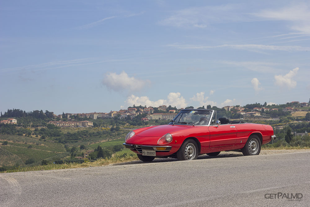 Sprintage Rent a Classic Car Tuscant - Alfa Duetto Junior