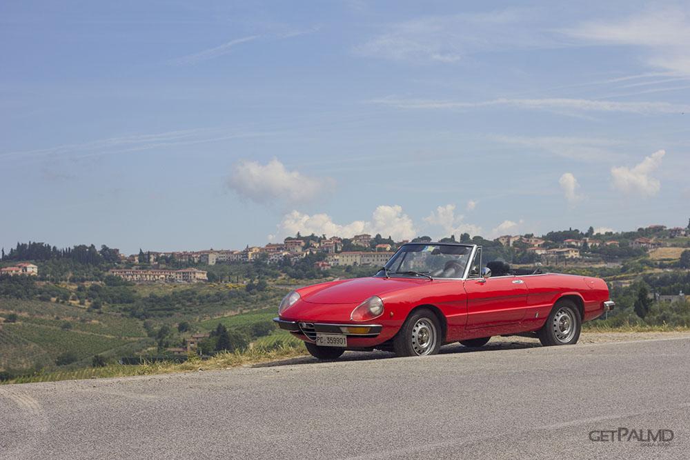 Sprintage Rent a Classic Car Tuscant - Alfa Duetto Junior