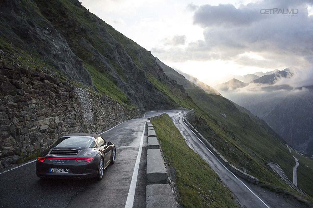 Porsche corner Stelvio