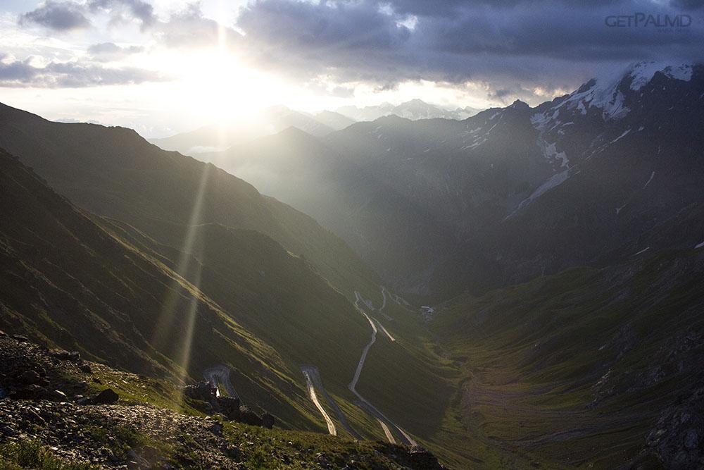 Sunrise Race On Stelvio Pass See A Beautiful Driving