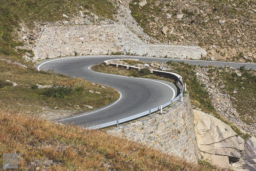 Colle del Nivolet curve