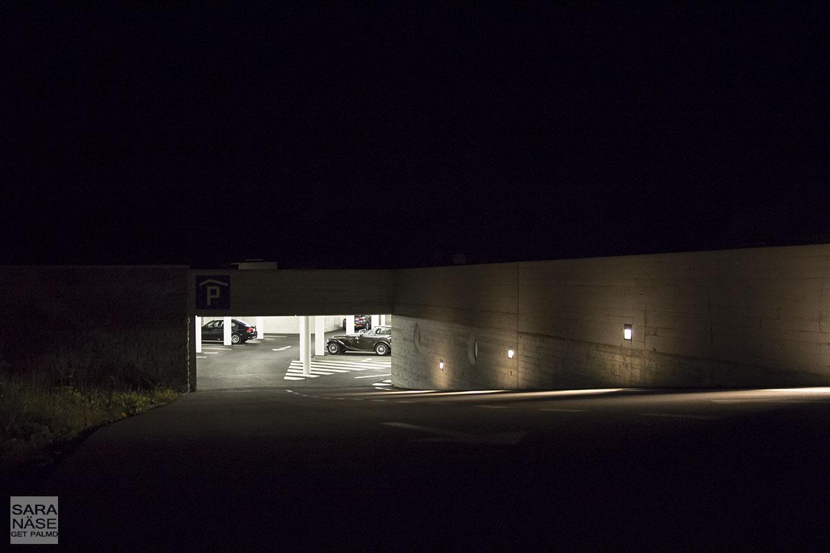 Grimsel Hospiz garage parking