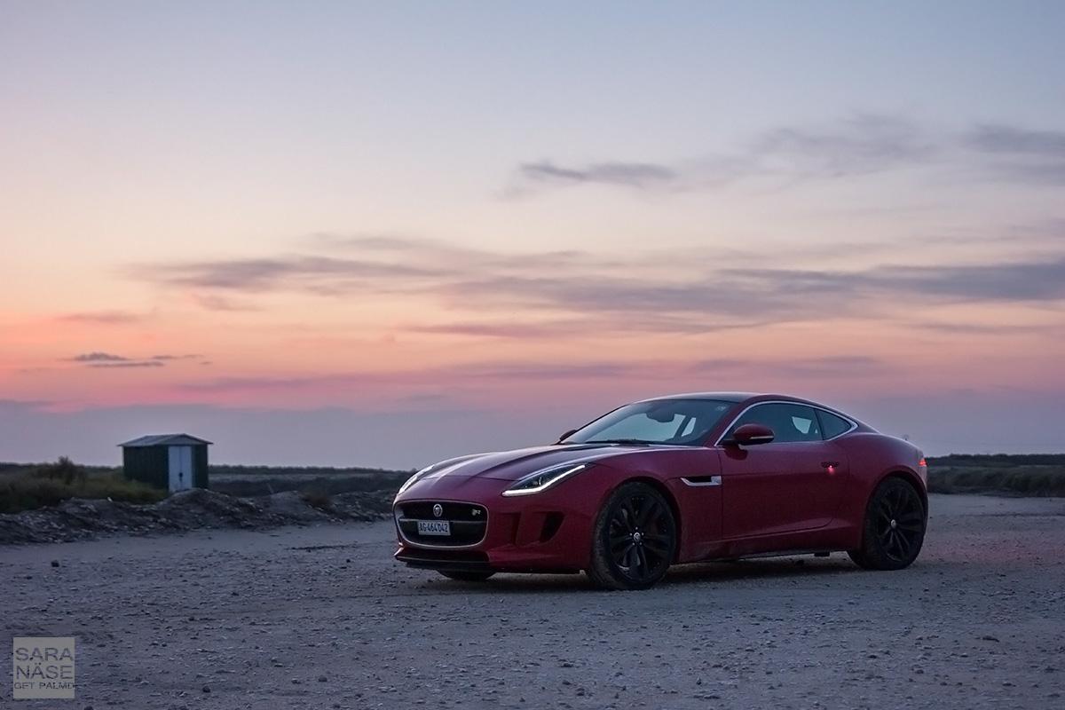 Jaguar F-Type Coupe beach