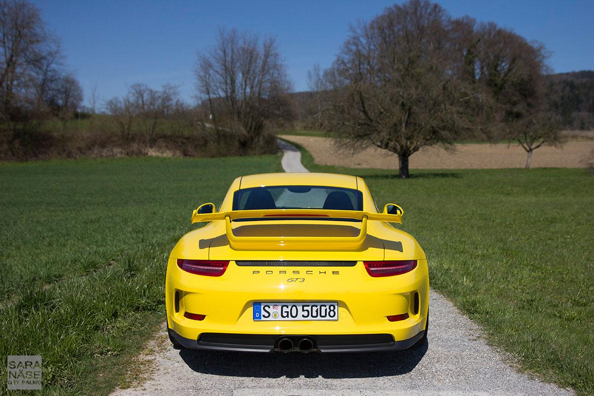 Gt3tour Meet The Racing Yellow Porsche 911 991 Gt3