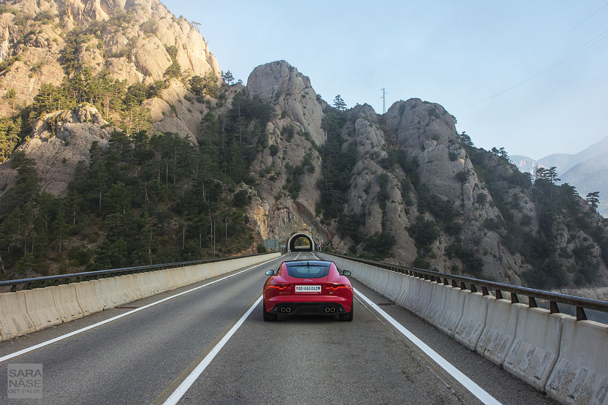 F-Type R Spain tunnel