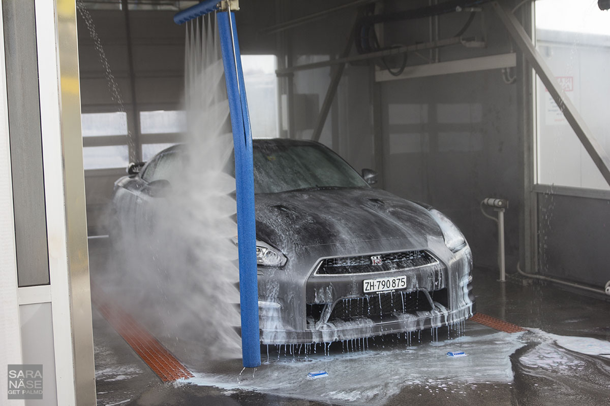 Car Wash Brush >> Nissan GT-R testing Razor Touchless Car Wash, Cecina