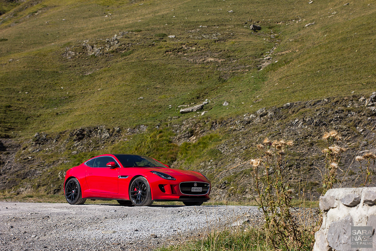 Red F-Type R Pourtalet