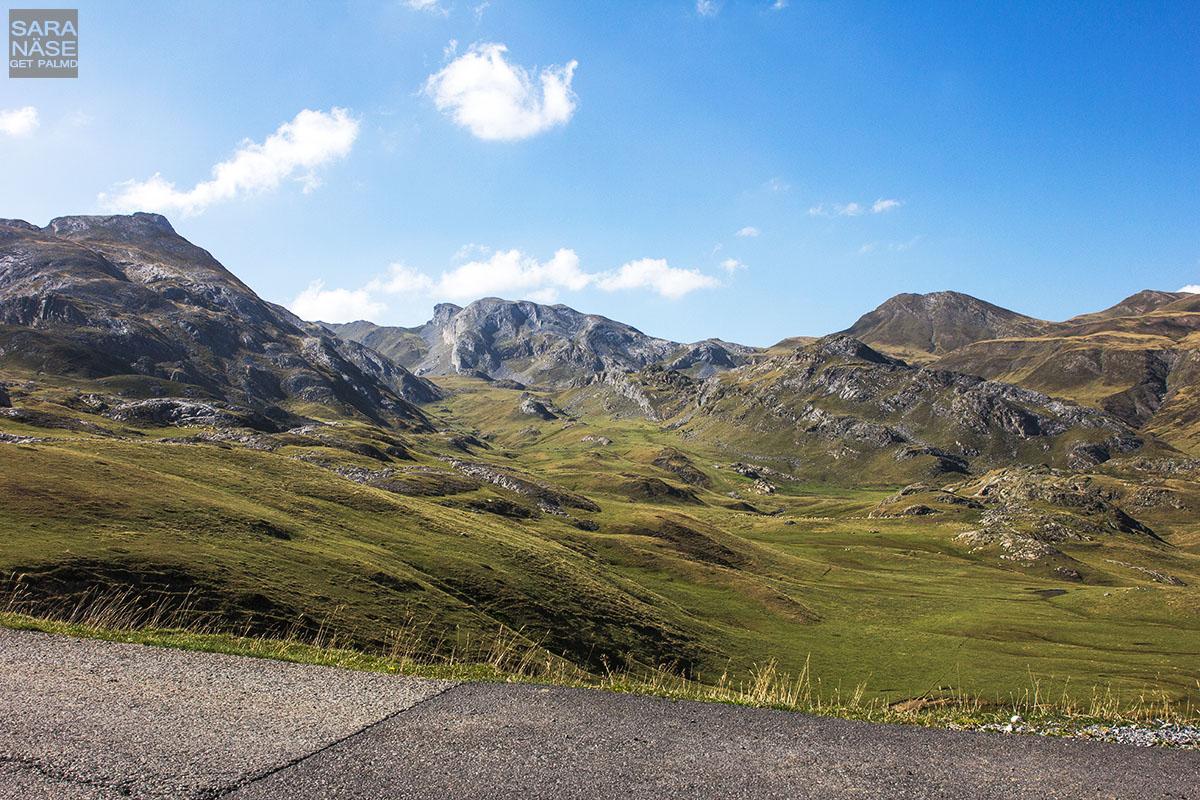 Valley landscape Pourtalet