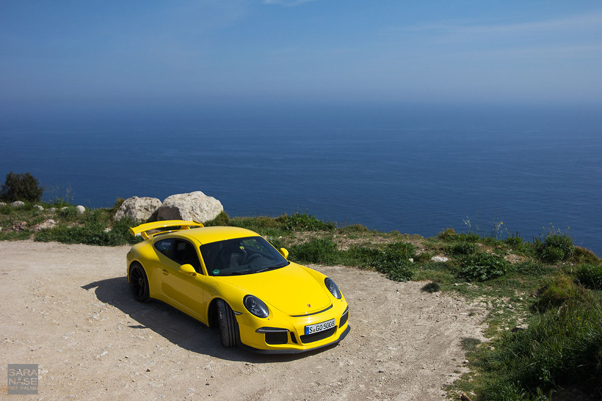 Yellow GT3 La Turbie