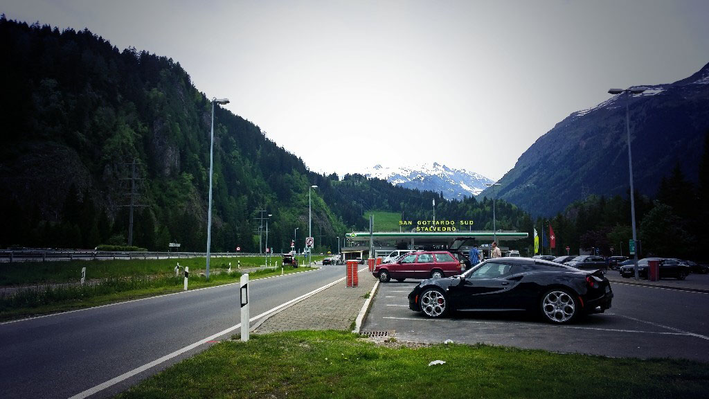 Alfa Romeo 4C Gotthard Pass