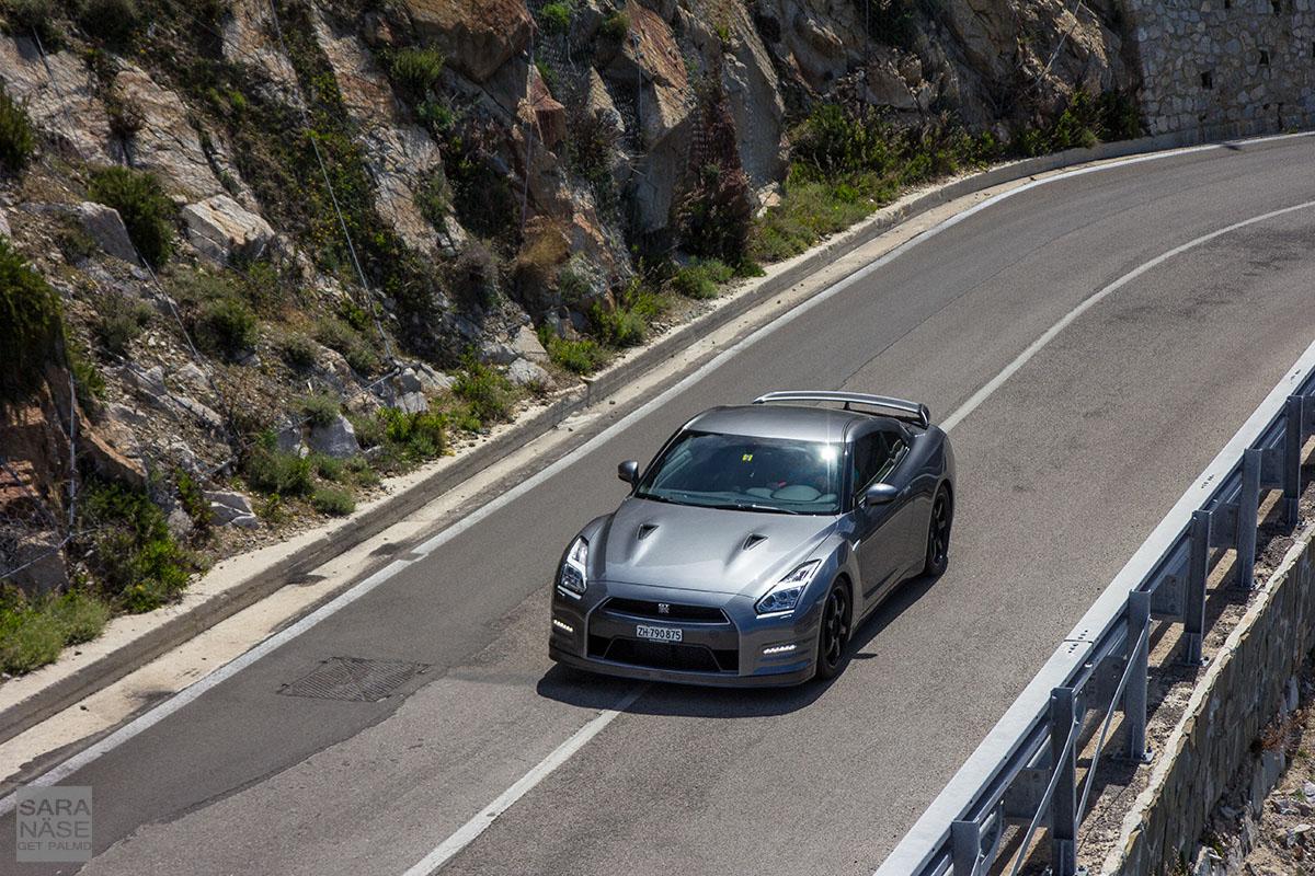 Nissan GT-R Elba road