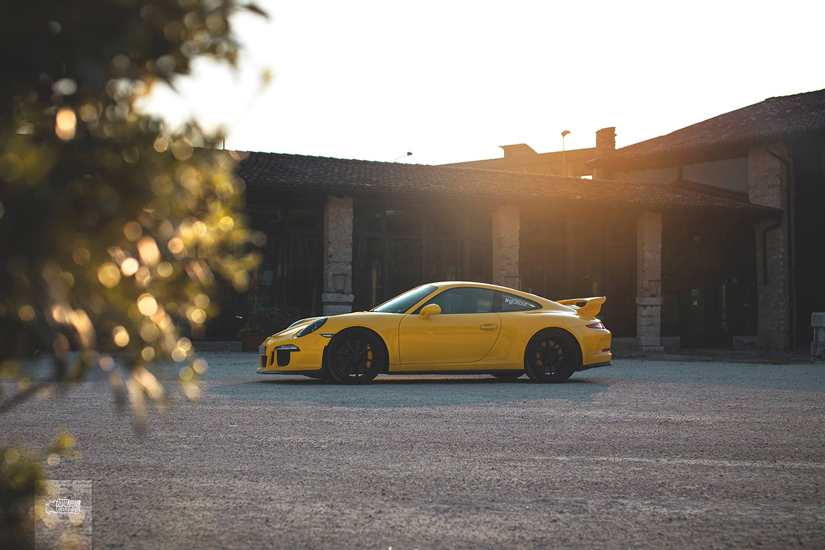 Racing yellow GT3