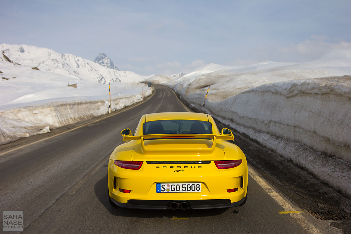 Yellow 991 GT3 rear