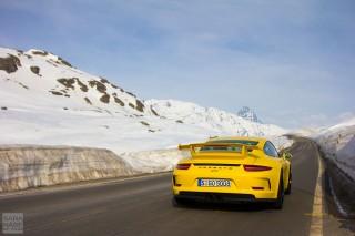 Yellow 991GT3 Berninapass
