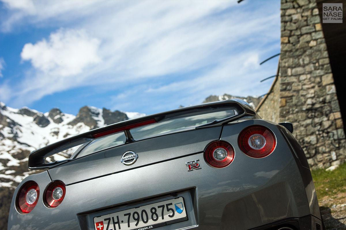 Nissan GTR wing