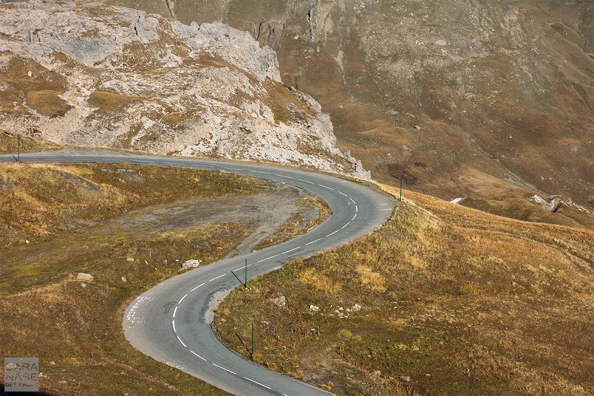 Road serpentine