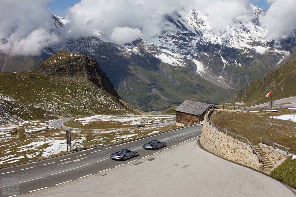 Porsche 918 Spyder alpine road