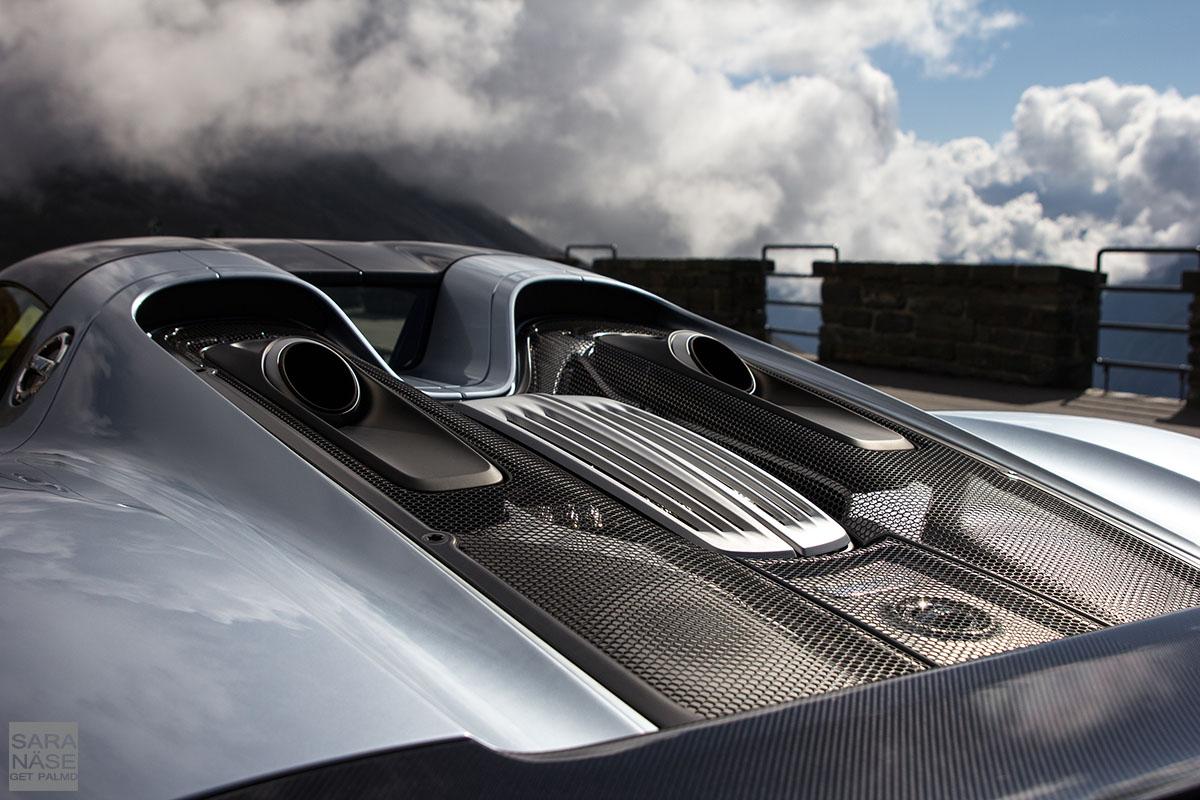 Porsche 918 Spyder engine cover
