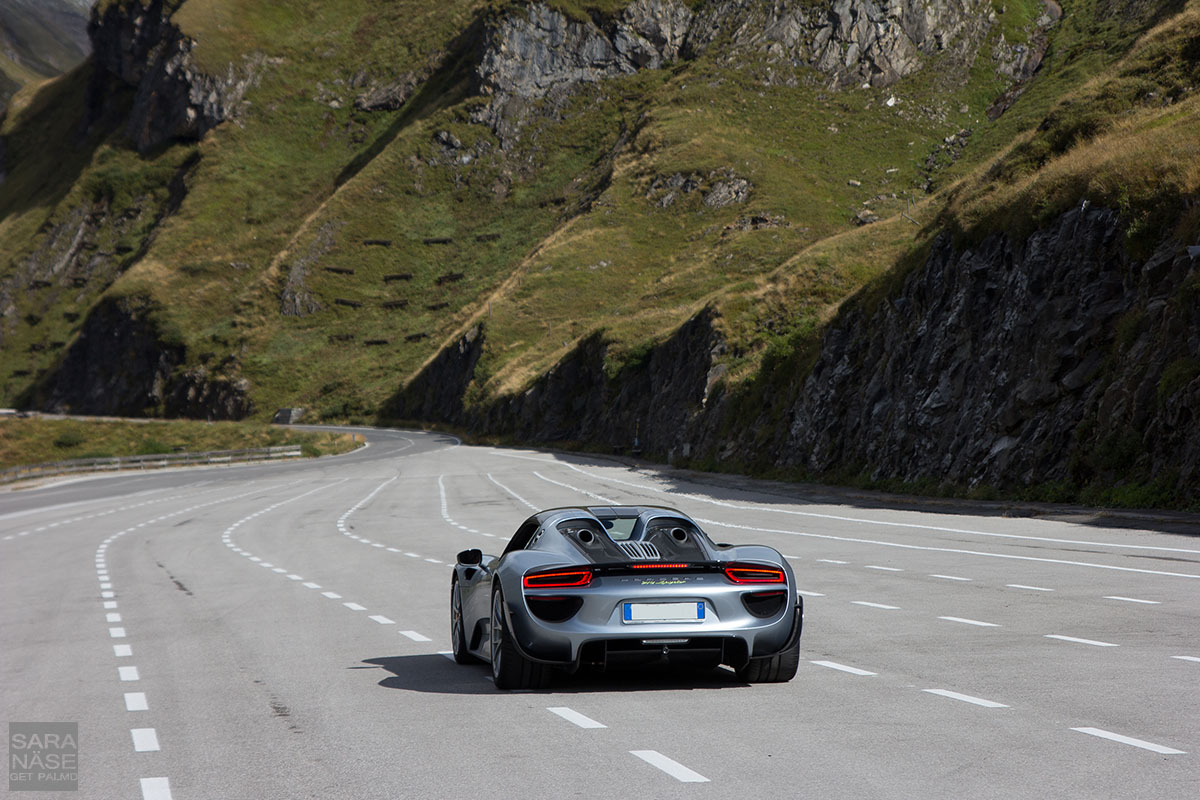 porsche 918 spyders on grossglockner. Black Bedroom Furniture Sets. Home Design Ideas