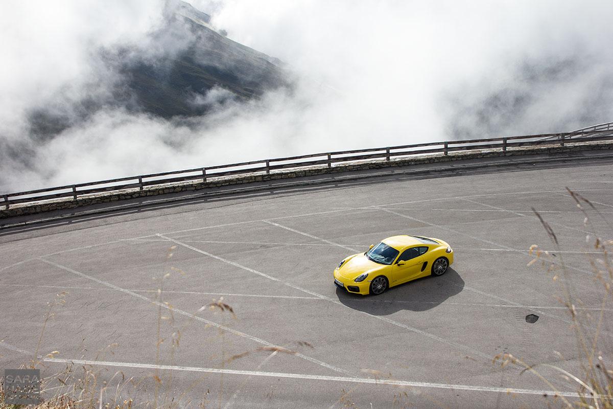 Porsche Cayman GTS morning