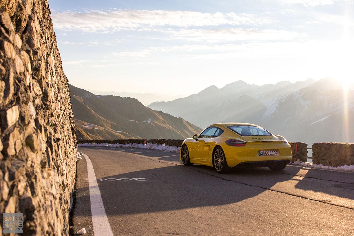 Porsche Cayman Stelvio Pass