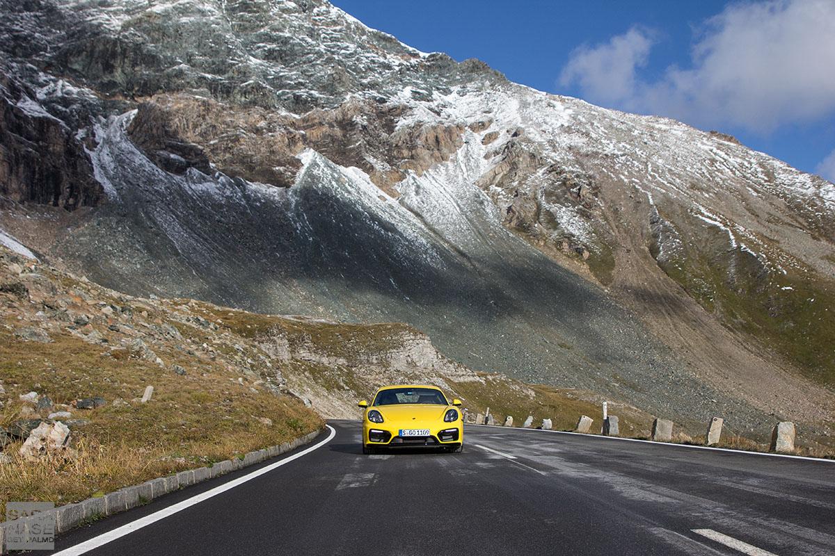 Porsche Cayman mountain