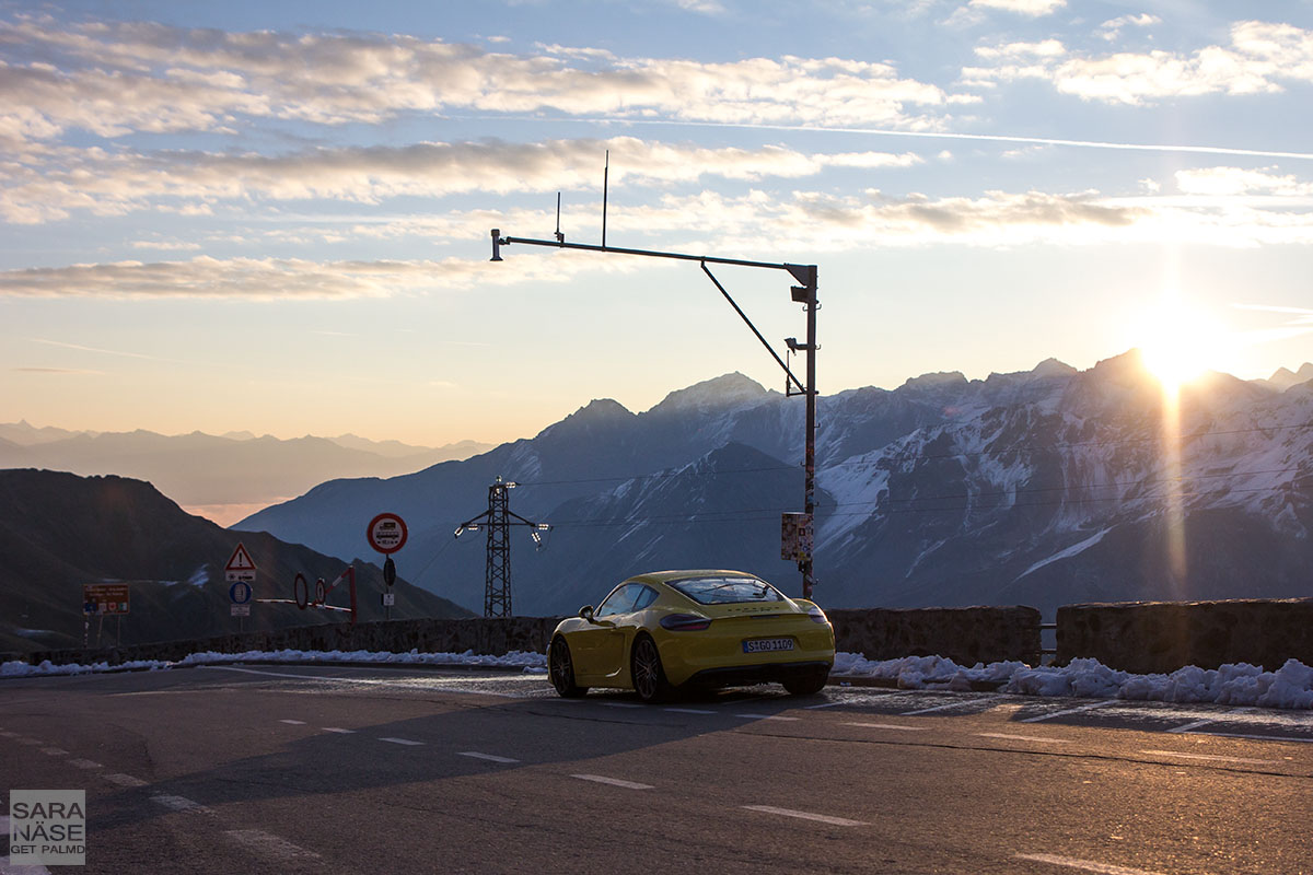 Porsche Cayman sunrays