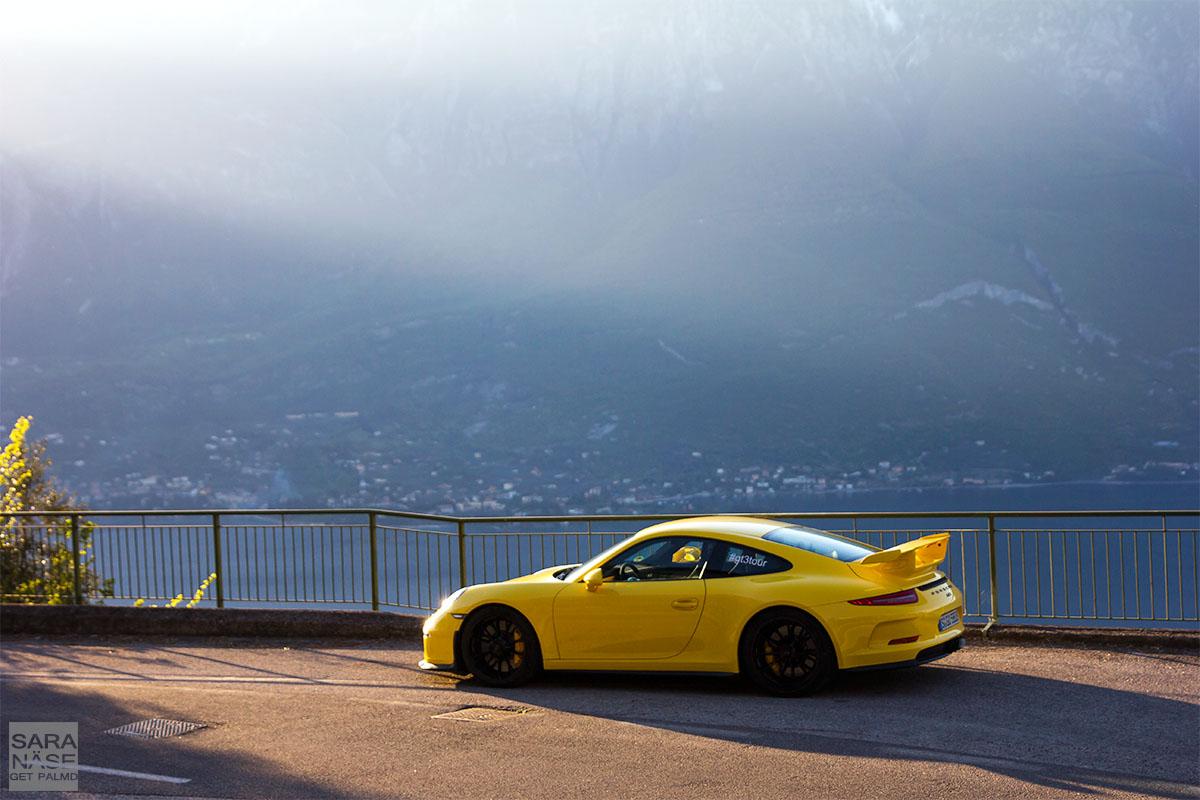 Yellow 911 GT3
