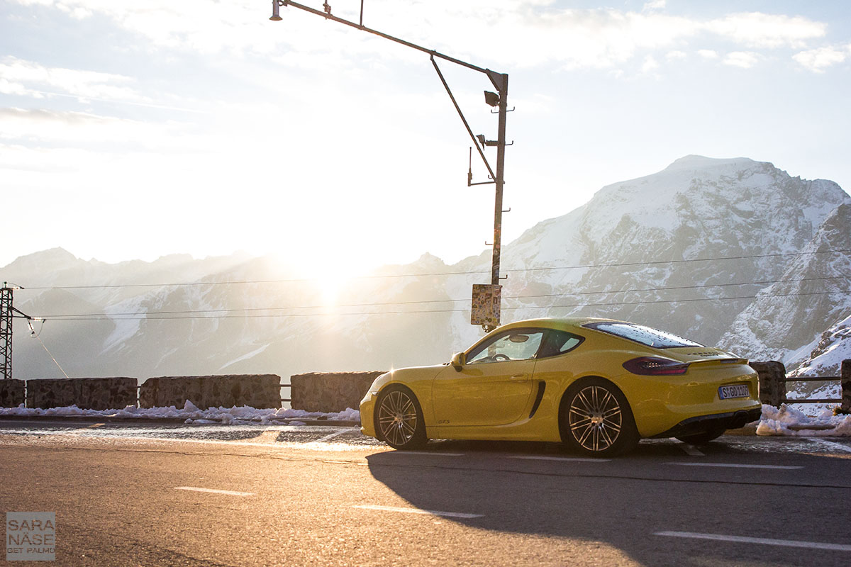 Yellow Cayman Stelvio