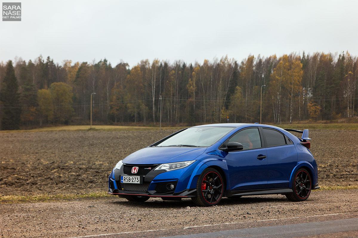 Brilliant sporty blue Civic Type R