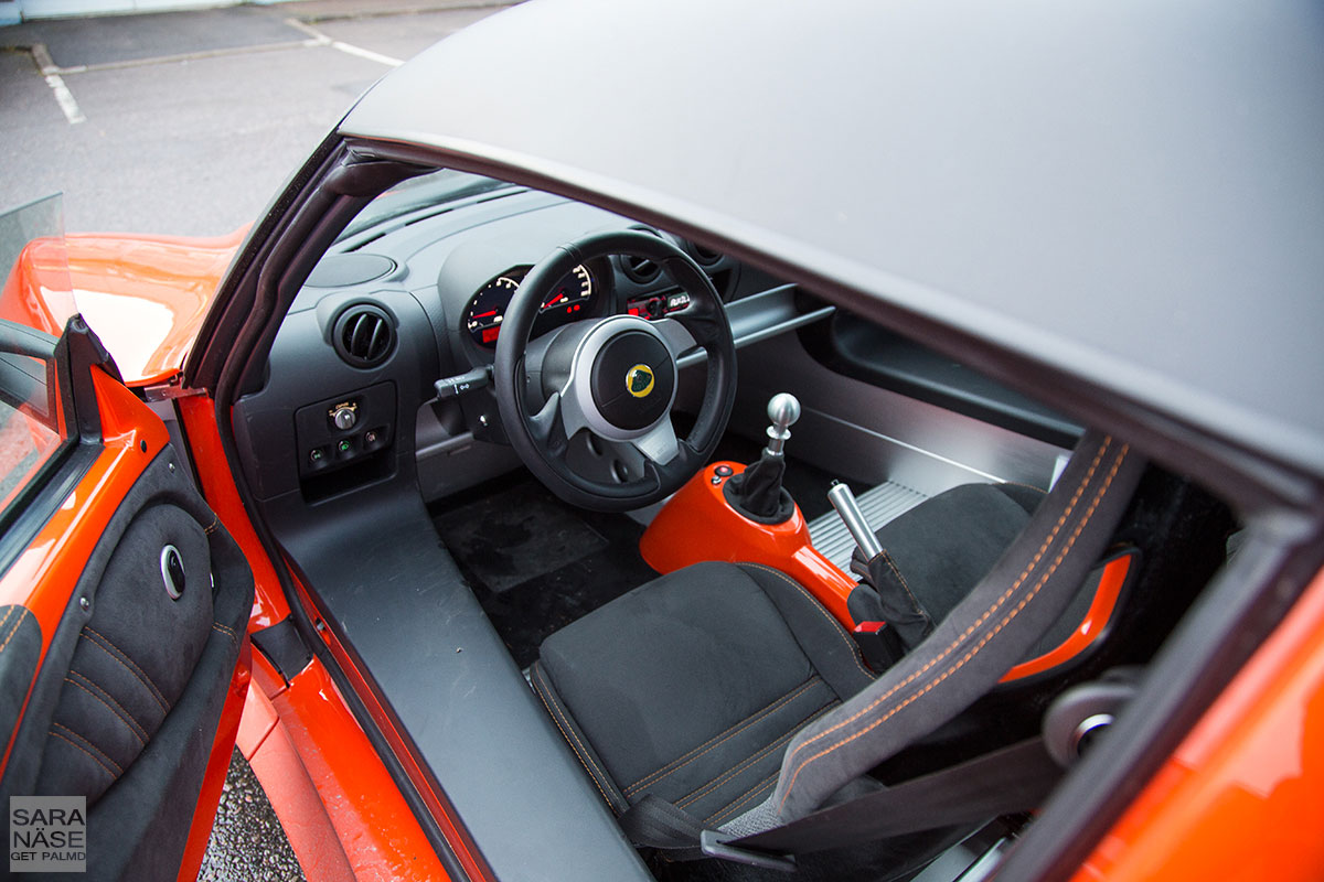 Lotus-Exige-SCR-drivers-seat