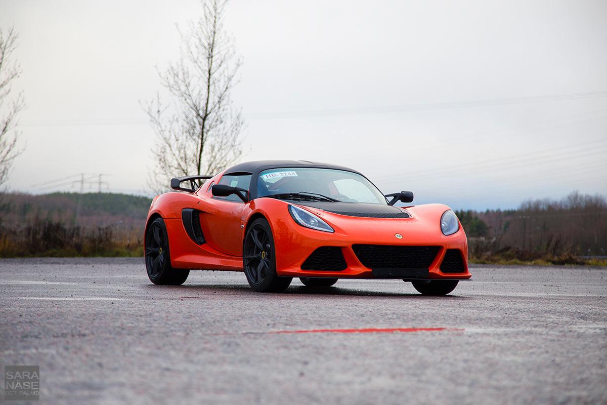 Lotus-Exige-orange-SCR