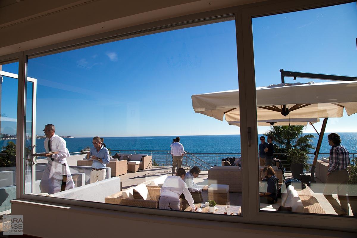 Vitania-sea-front-restaurant