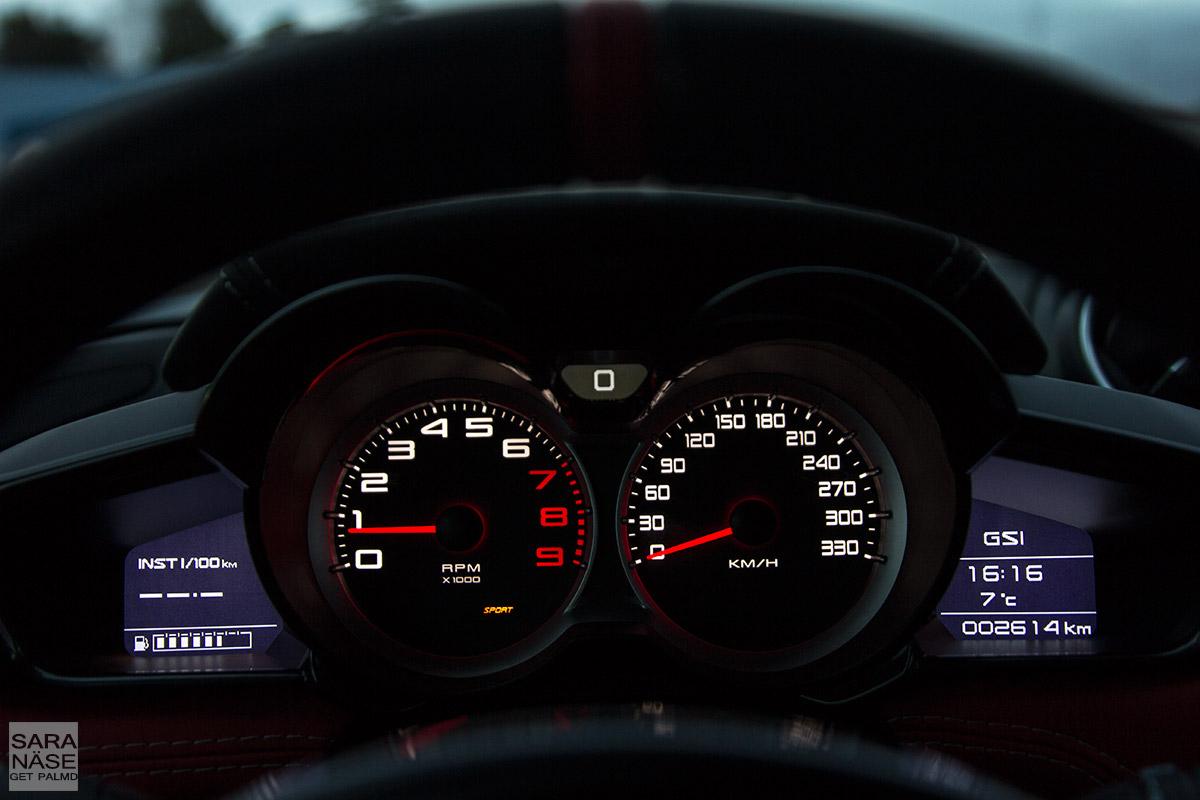 Lotus-Evora-400-drivers-view