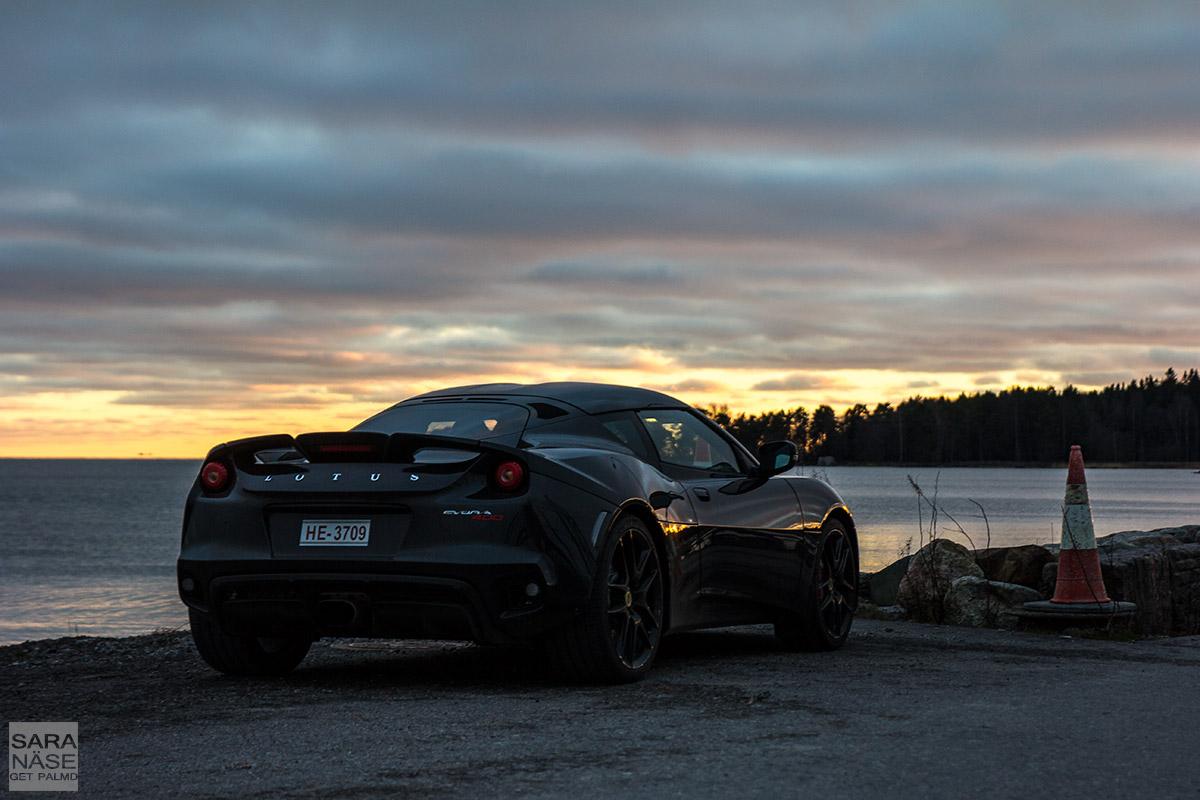 Lotus-Evora-400-sunset