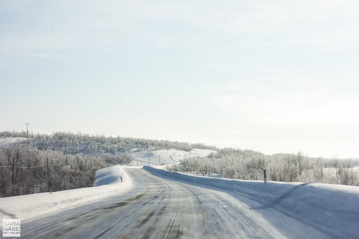 Lapland-icy-road