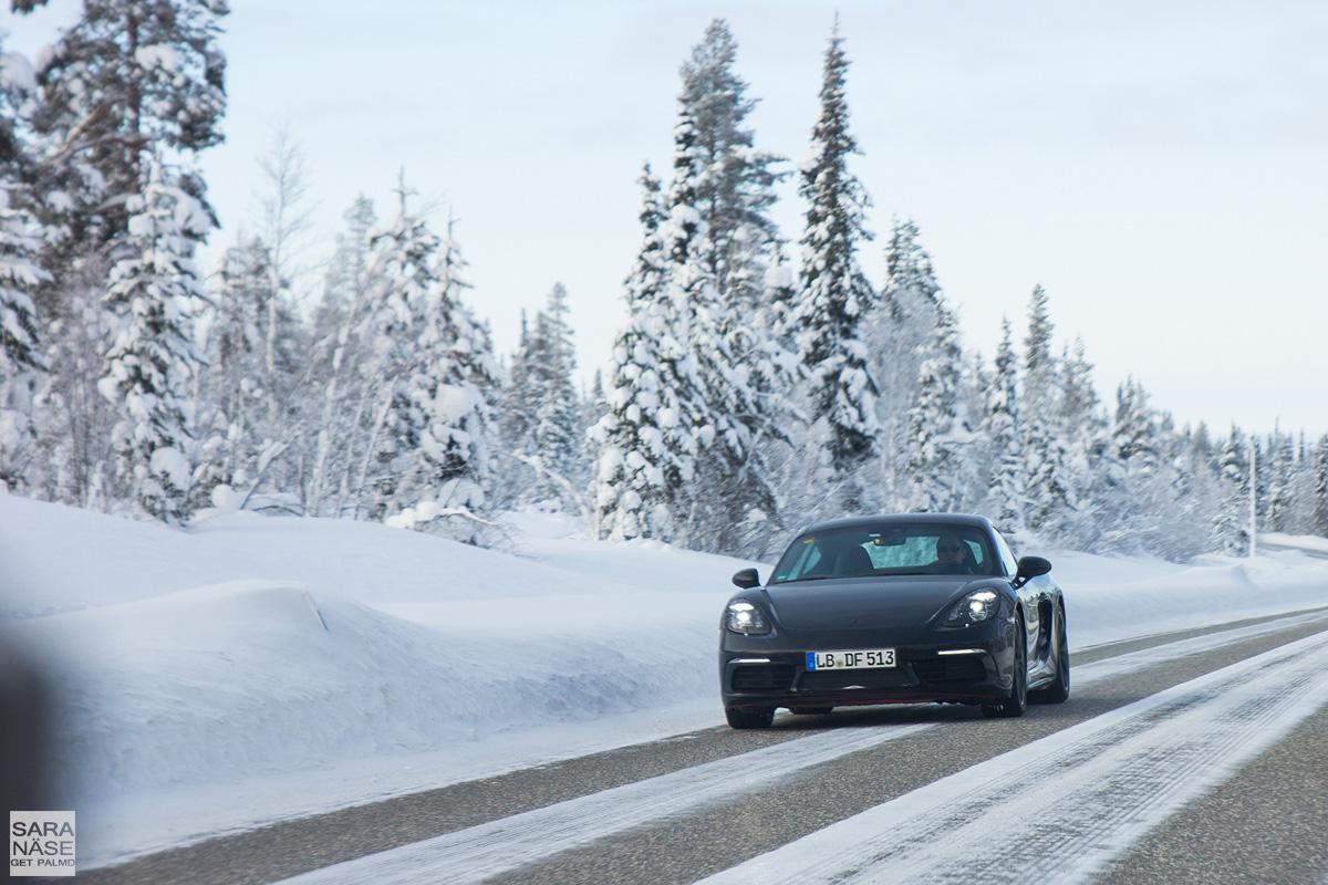 Porsche-718-winter-testing