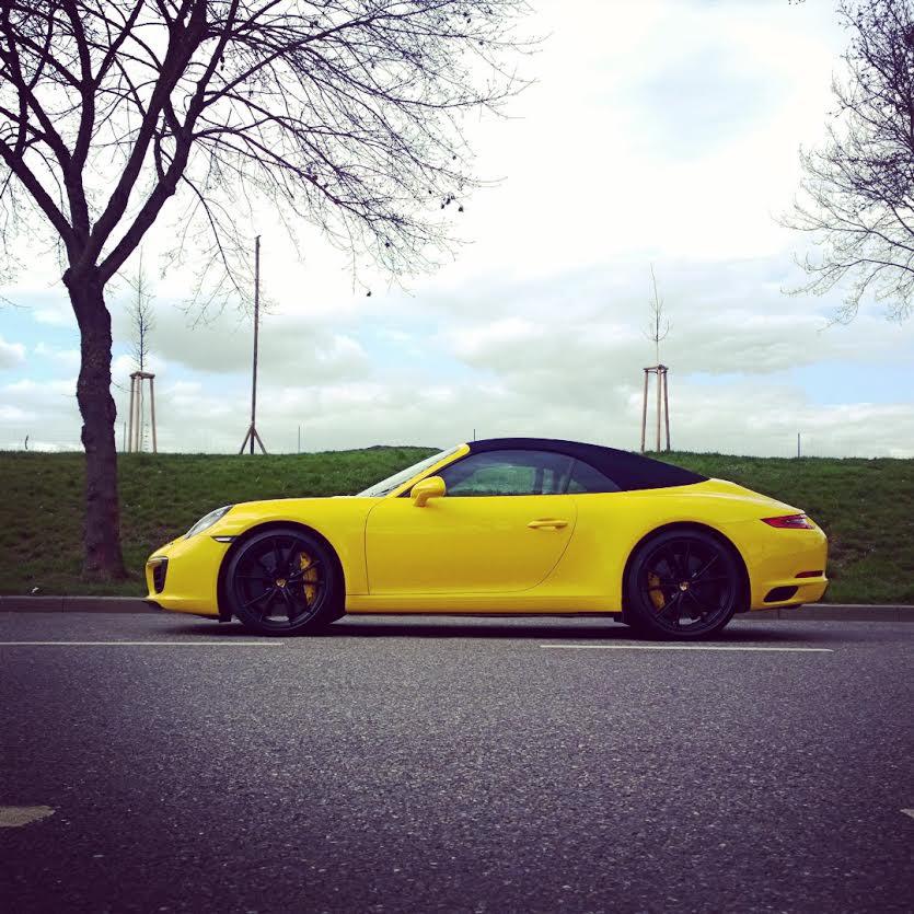 Porsche 911 Carrera Cabriolet profile