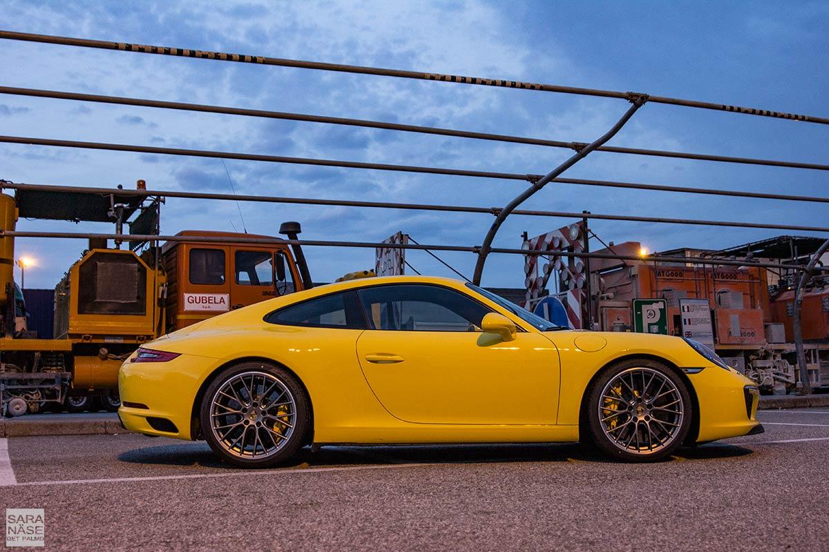Racing-yellow-Carrera-S-Coupe