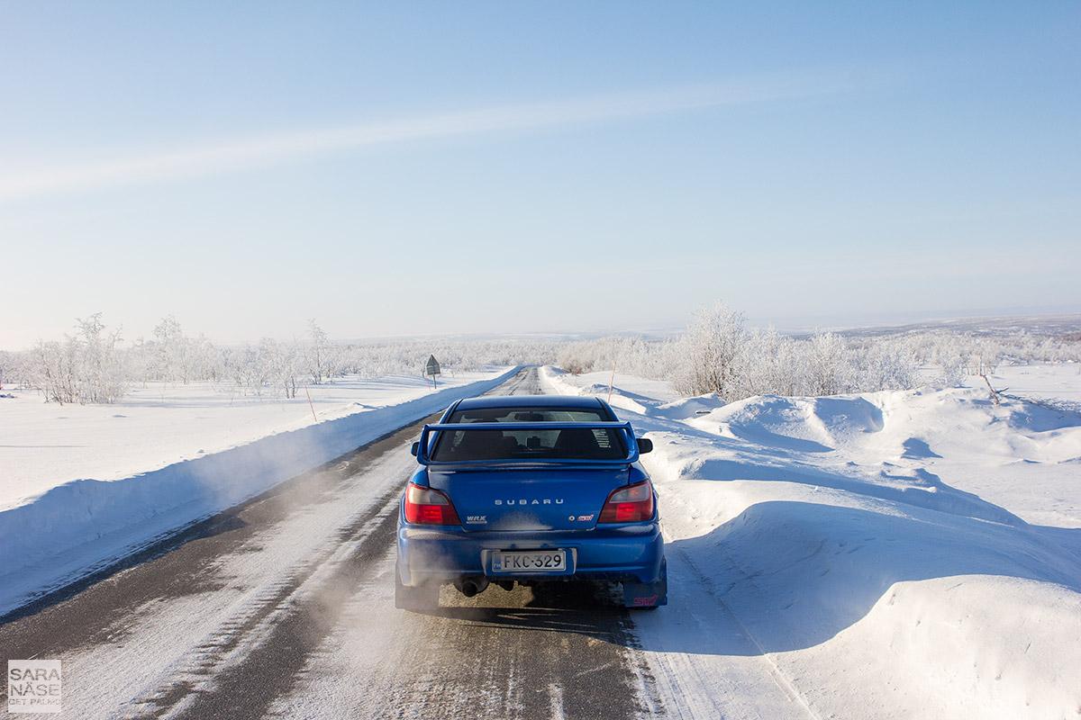 Subaru-Impreza-Lapland-road