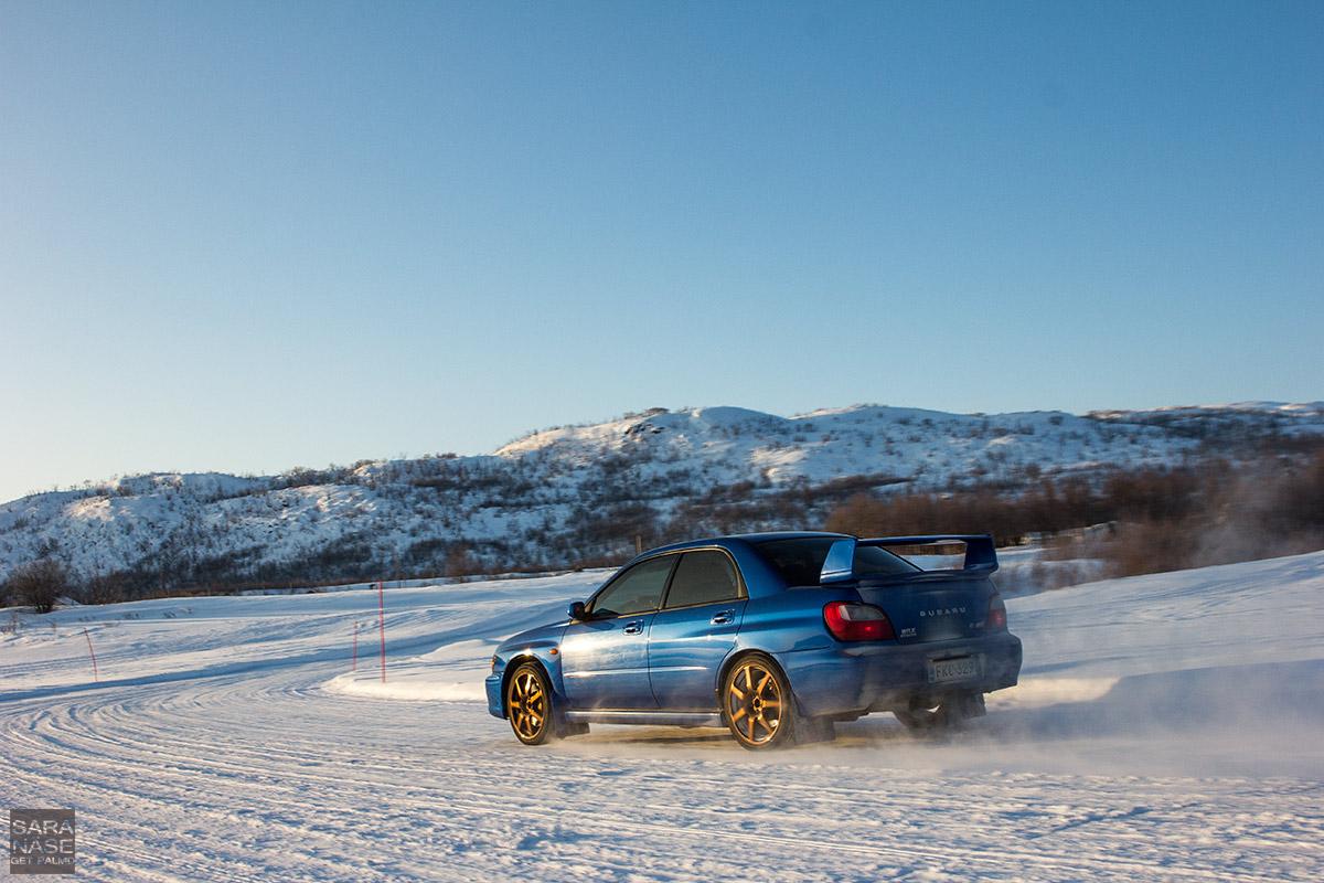 Subaru-Impreza-ice-road
