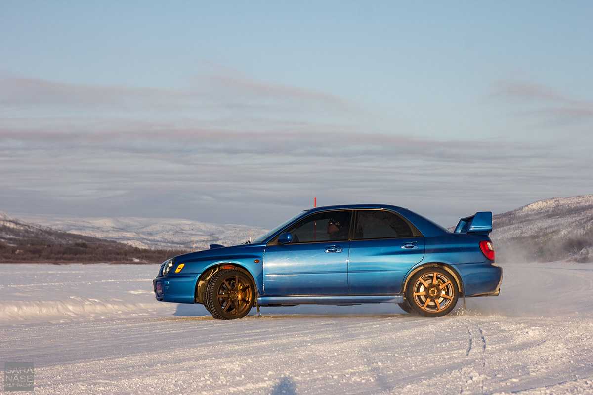Subaru Impreza winter drifting