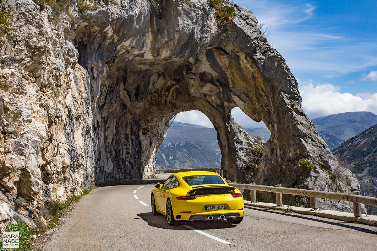 Porsche 911 Carrera S on Route de Thorenc