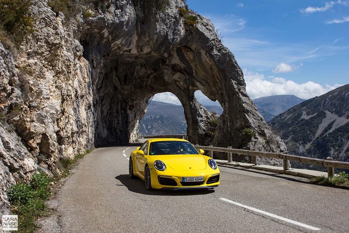 Porsche 911 Carrera S on Route de Gentelly