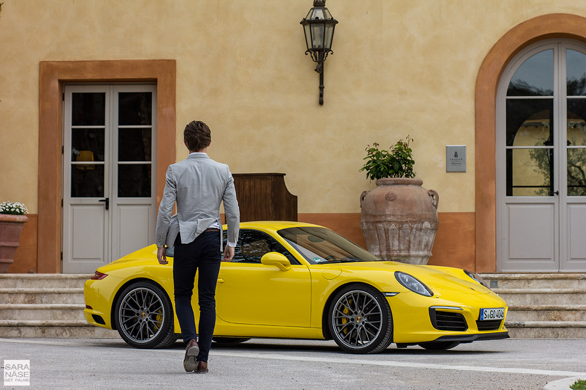 Racing yellow Porsche Tuscany