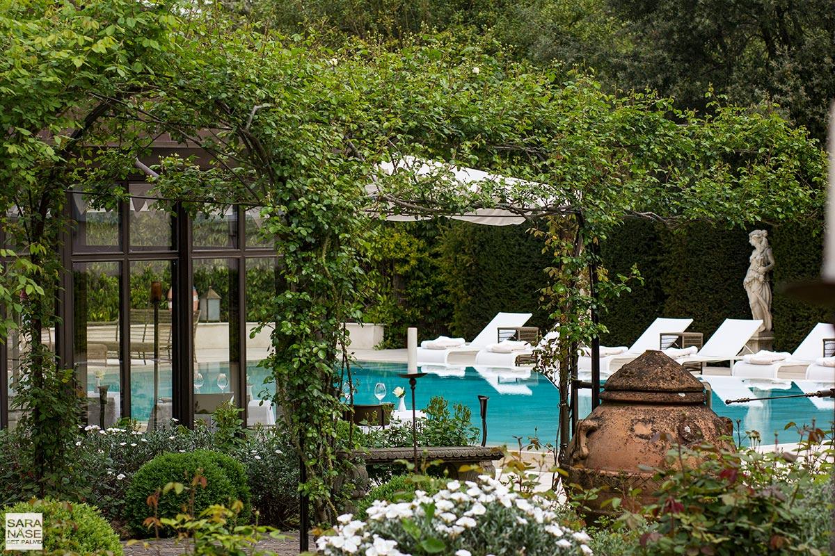 Villa Cora pool terrace