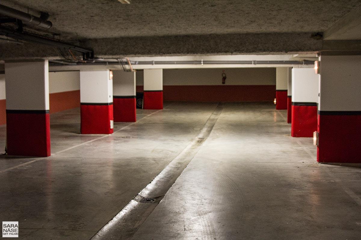 Le-Mas-de-Pierre-garage