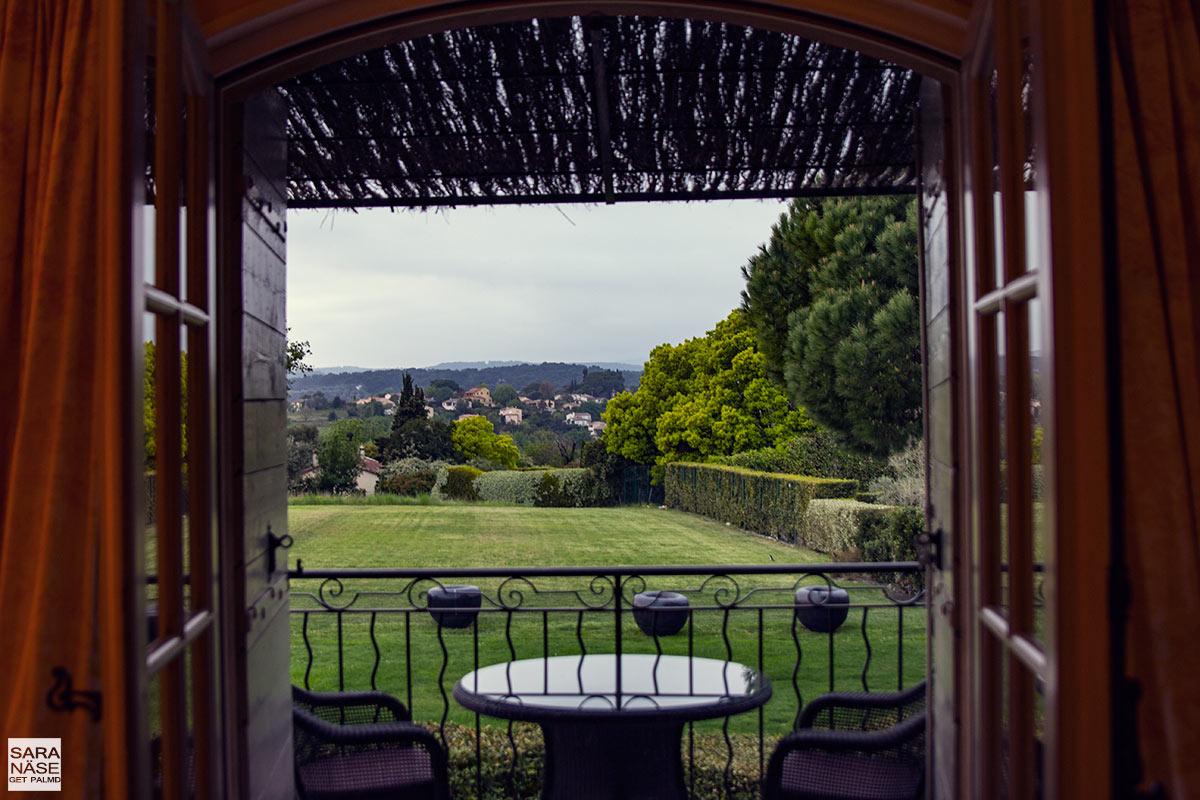 Le-Mas-de-Pierre-view
